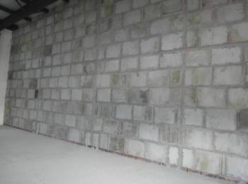 成都某4S店负一楼石膏新万博隔墙